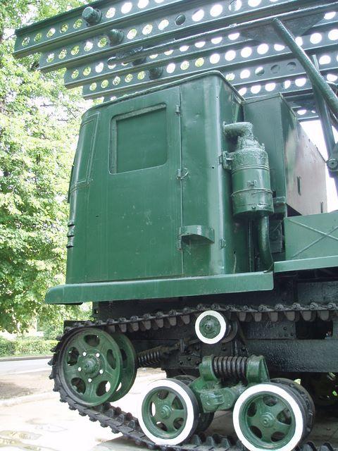 Левая часть кабины СТЗ-5 крупным планом