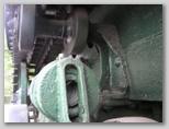 Крепление поддерживающего катка к раме трактора СТЗ-5