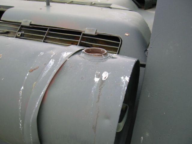 Заправочная горловина внешнего топливного бака