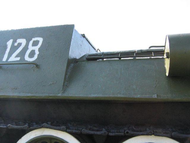 Стык заднего листа боевого отделения и  листов  левого подкрылка