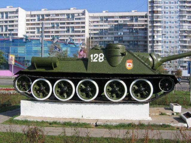 Правый борт СУ-100