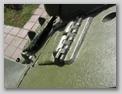 Петли крышки люка механика-водителя