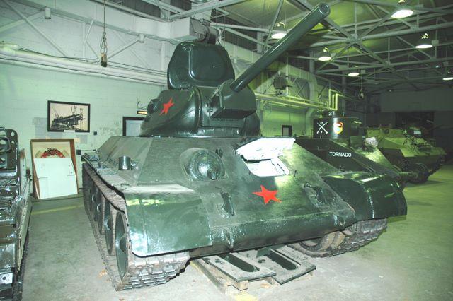 Общий вид танка Т-34-76 с литой башней впуска 1942-го года Абердинский полигон