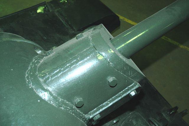Вид сверху на маску орудия