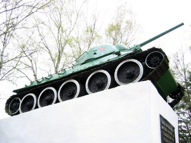 Вид на танк, справа-снизу