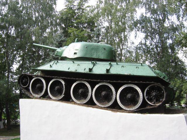 Вид на танк, слева-снизу