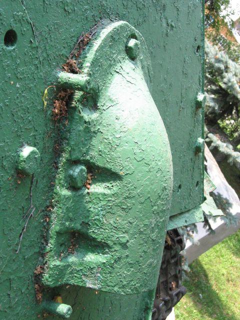 Бронировка выхлопного патрубка и бонка крепления танковой печки