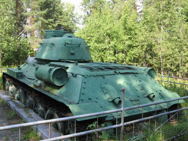 Корма танка, вид слева