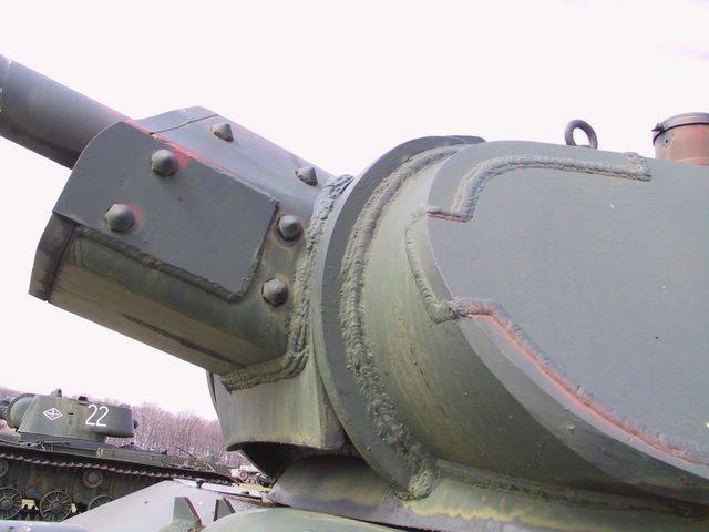 Бронировка противооткатных устройств орудия Ф-34