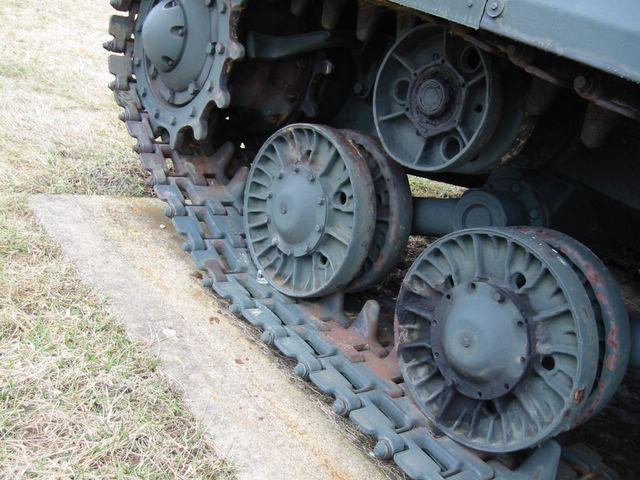 Опорные катки танка