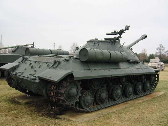 Вид на танк справа-сзади