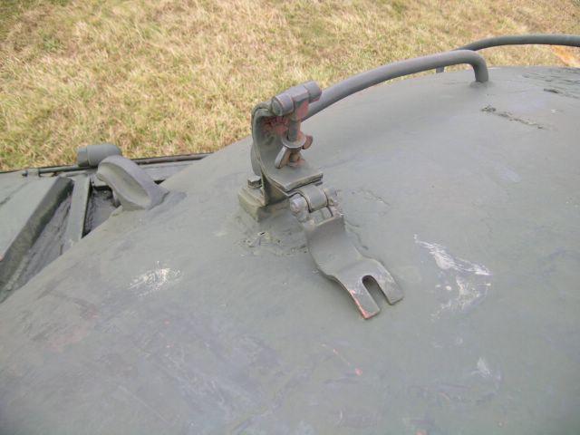 """Хомутиковый замок для фиксации ствола зенитного пулемёта в положении """"по-походному"""""""