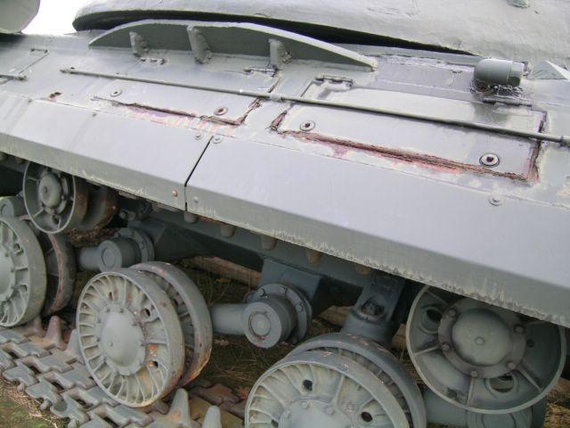 Средняя часть правого борта танка