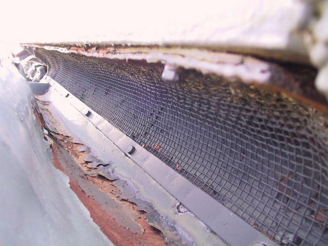 Защитная сетка отверстия выпуска  нагретого воздуха