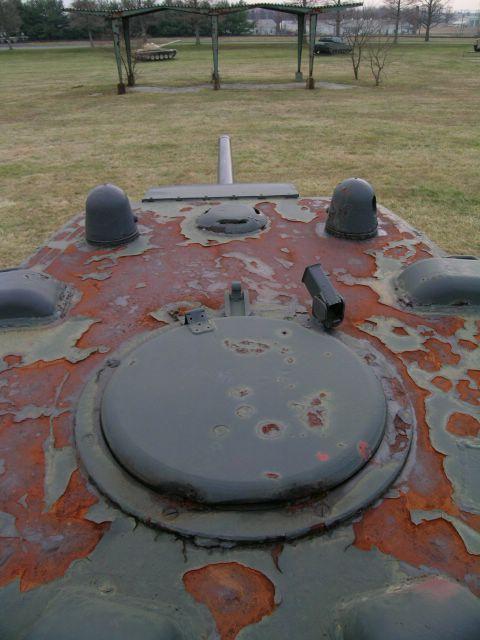 Крышка башенного люка крупным планом