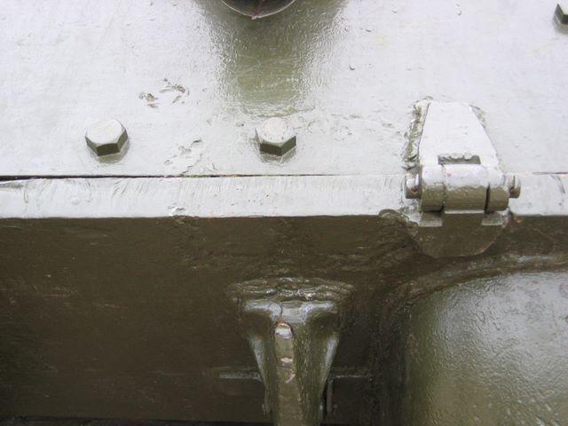 Правая петля откидного кормового листа