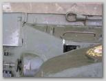 Вид сверху на стык правого подкрылка и верхнего лобового листа