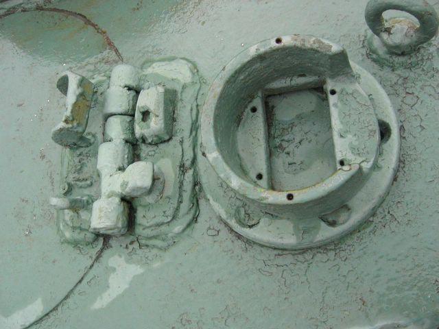 Корпус перископа МК-IV, приварен к башне