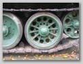 Разные типы опорных катков и ведущее колесо